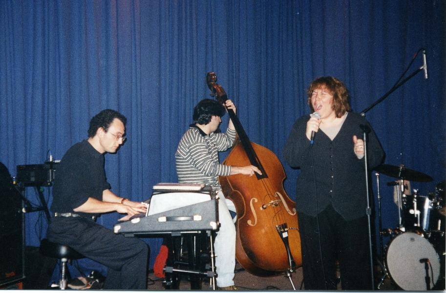 1998-the-note-claudia-perez