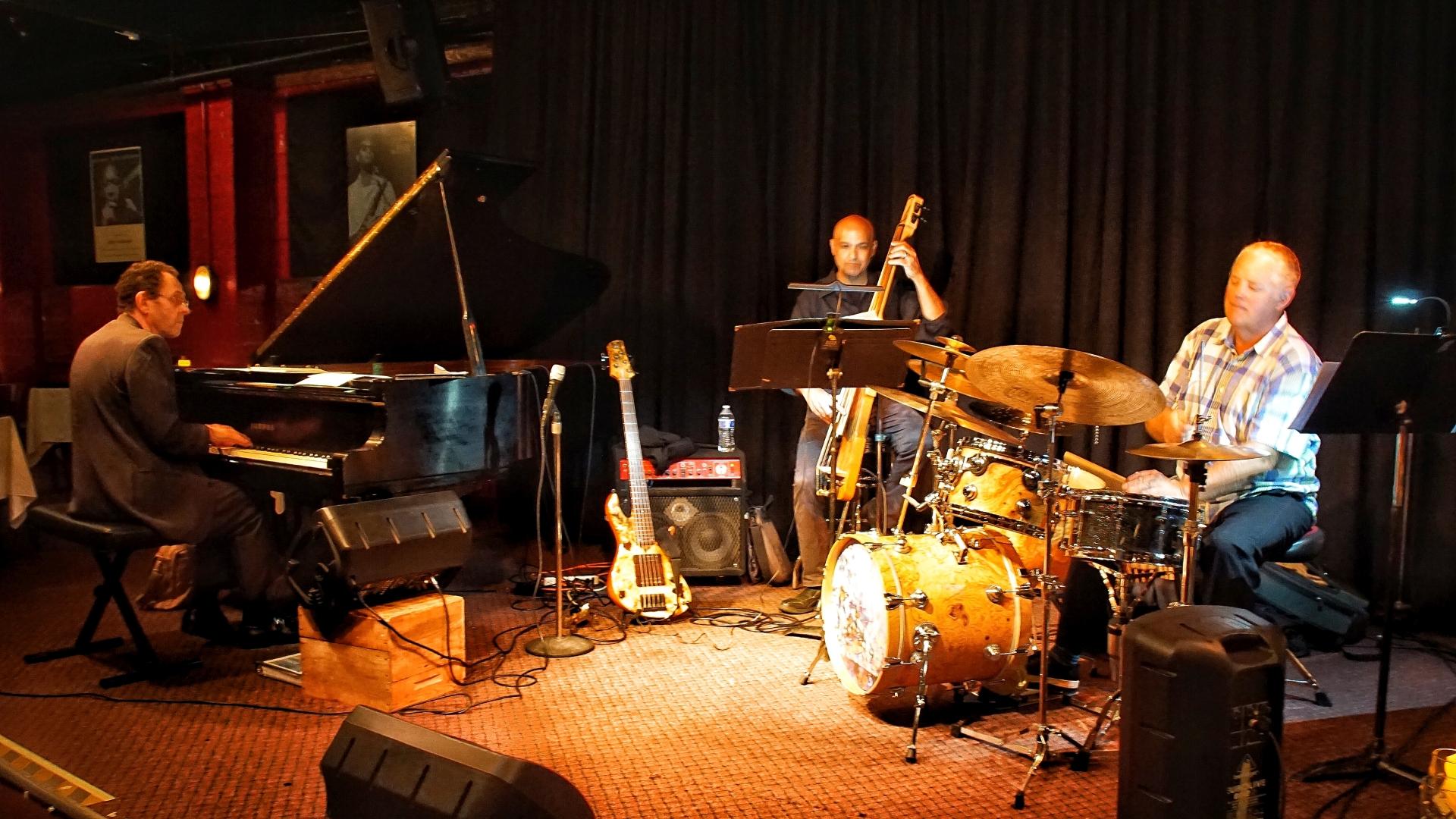 Tulas-Jazz-Club-01-Web